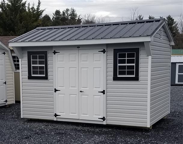 (Building #024) 8×12 Vinyl Carriage House