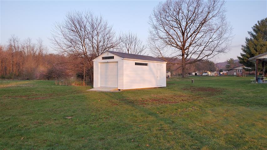 (Building #201) 12x20x8 Vinyl Cottage