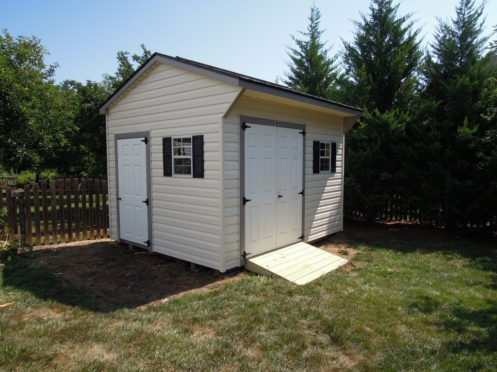 (Building #232) 10x12x8 Vinyl Carriage House